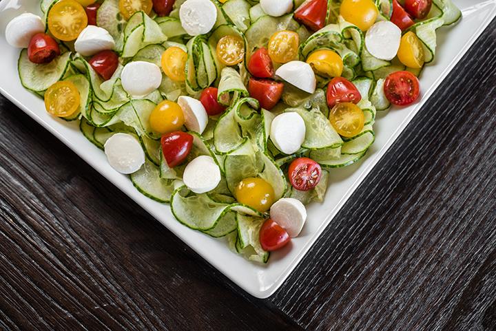 spiralizer-cucumber-caprese-salad-3-1